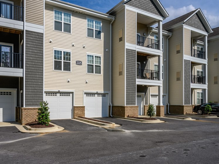 Front Exterior at Abberly Square Apartment Homes, Maryland