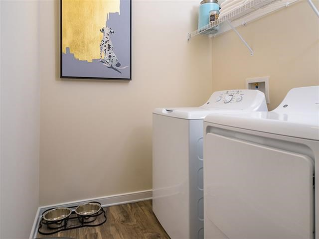 Washer And Dryer In Unit at Abberly Square Apartment Homes, Waldorf, 20601