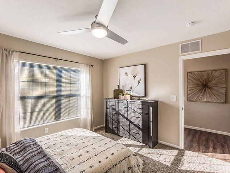 Copley Ohio  Apartment Rentals Redwood Copley Large Bedrooms