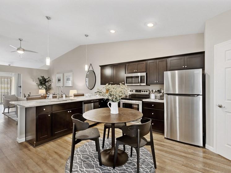 DeWitt Michigan Apartment Rentals Redwood DeWitt Kitchen