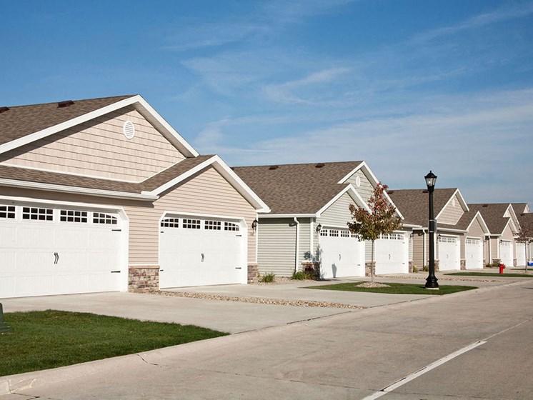 DeWitt Michigan  Apartment Rentals Redwood DeWitt Neighborhood Living