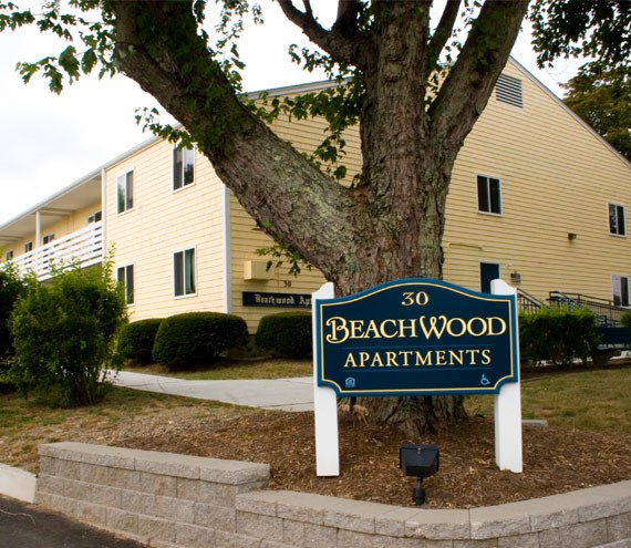 Beachwood Apartments sign and building