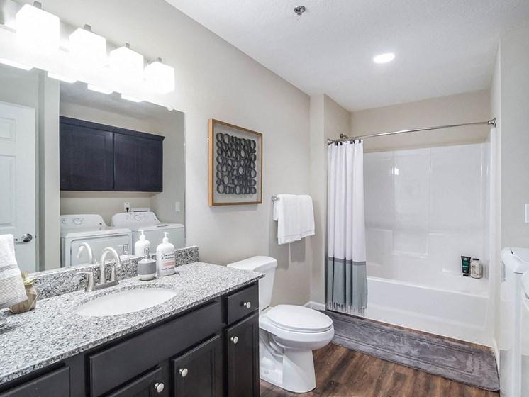 Louisville Kentucky Apartment Rentals Redwood Louisville Bardstown Bluff Road Two Full Bathrooms