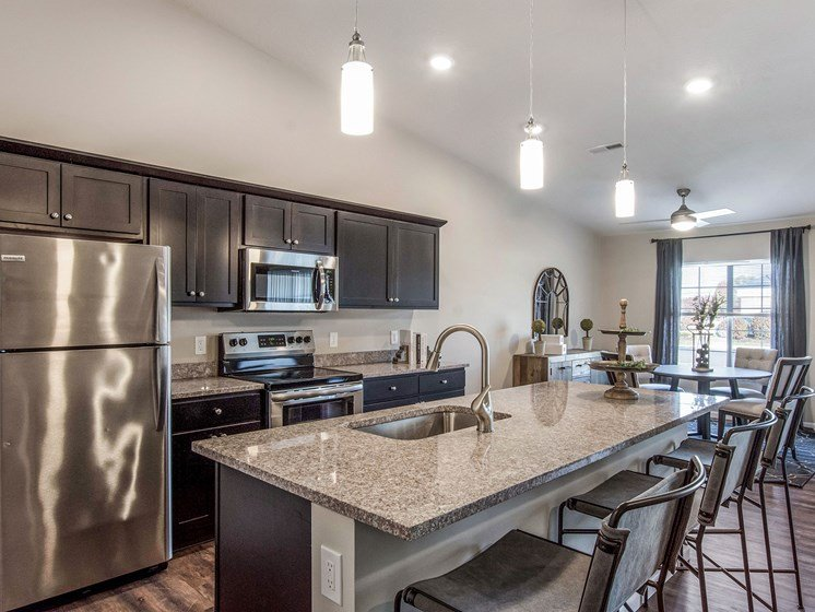 Battle Creek Michigan Apartment Rentals Redwood Living Redwood Battle Creek Willowood Kitchen