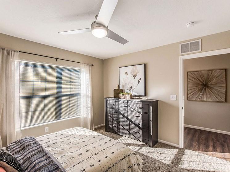 Charlotte North Carolina Apartment Rentals Redwood Living Redwood Charlotte Ridge Road Second Bedroom