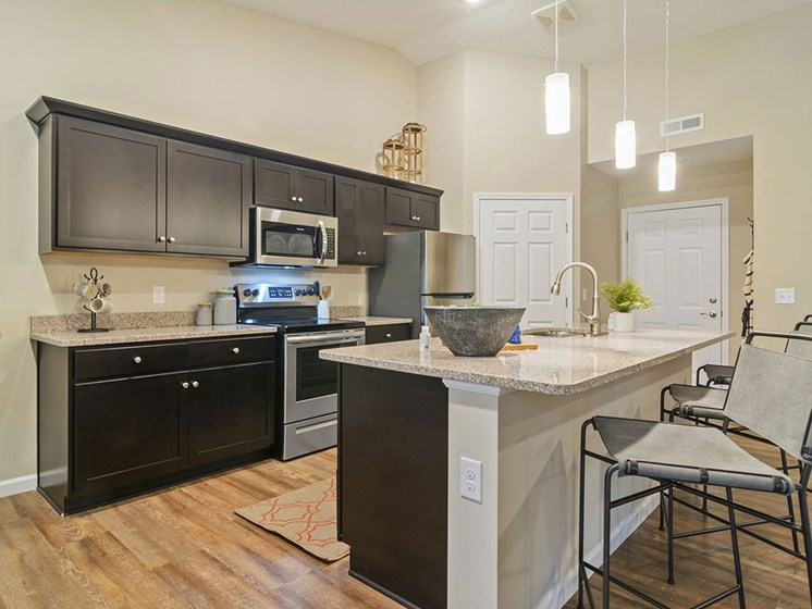Charlotte North Carolina Apartment Rentals Redwood Living Redwood Charlotte Ridge Road  Willowood Kitchen