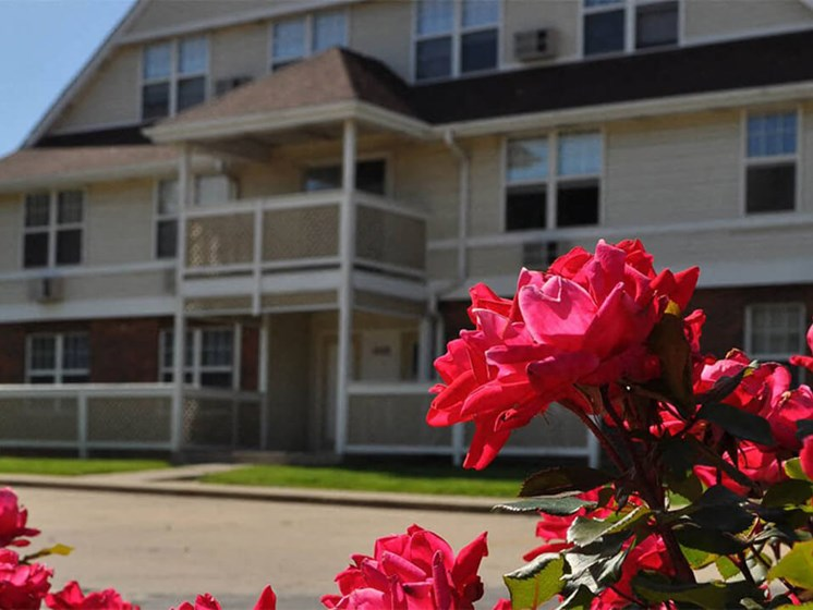 Town & Country Apartments in Urbana IL