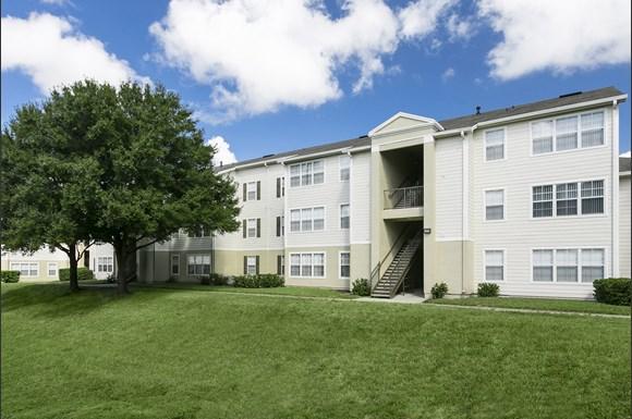 Lakewood Shores Apartments 1722 Lakewood Shores Lane Brandon Fl Rentcafe