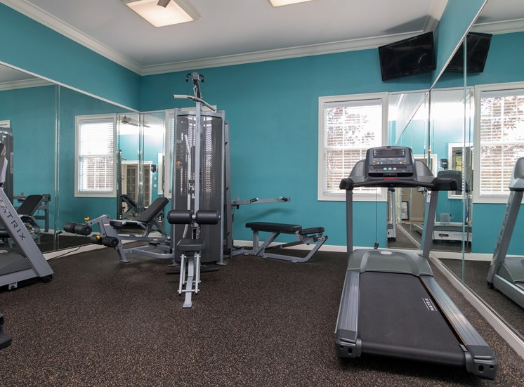 24-Hour Cardio And Weightlifting Center