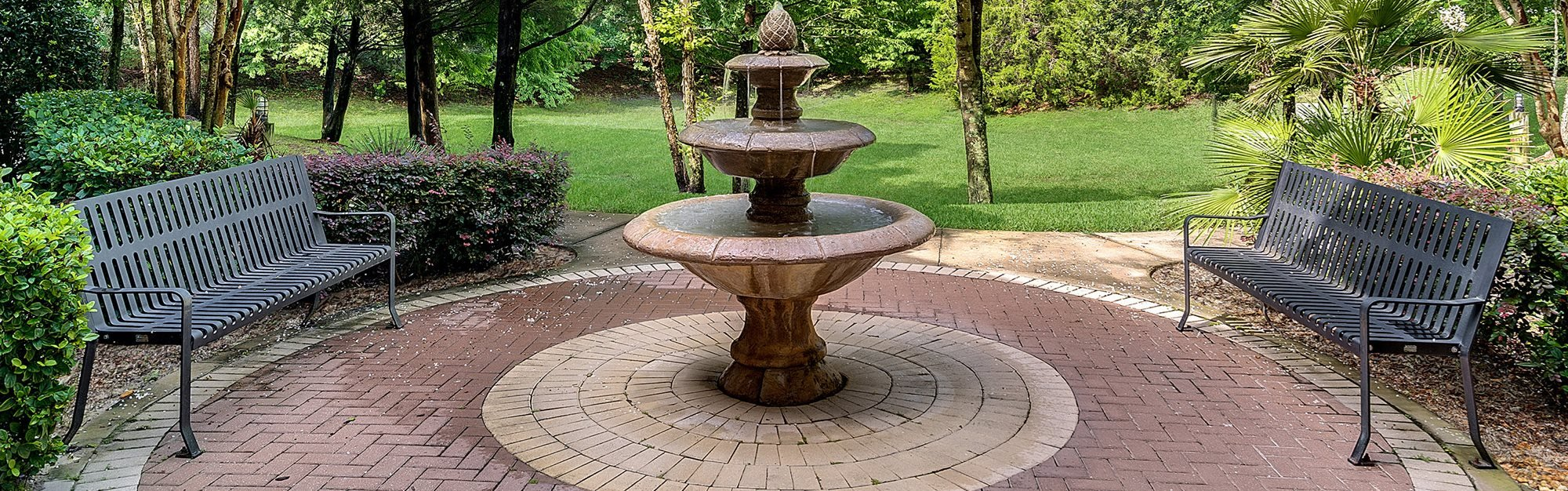 sitting area with fountain