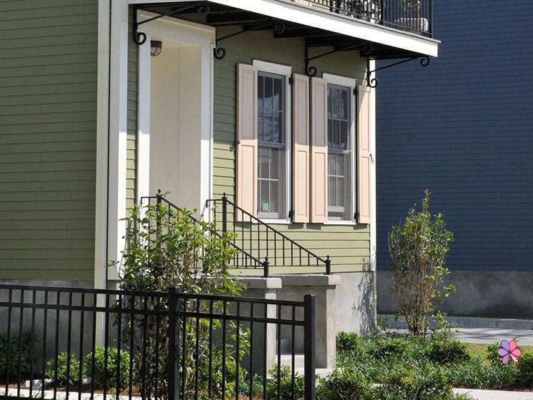 Exterior of apartment building_Lafitte,New Orleans, LA