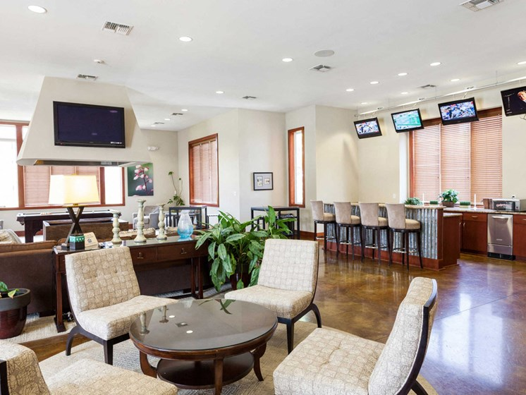 interiour clubhouse lounge area at 1200 Acqua Apartment