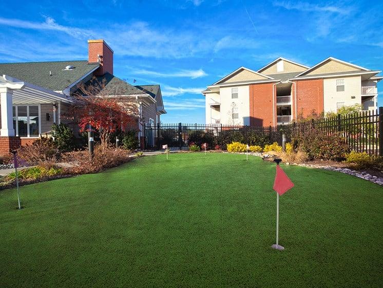 putting green space near petersburg virginia