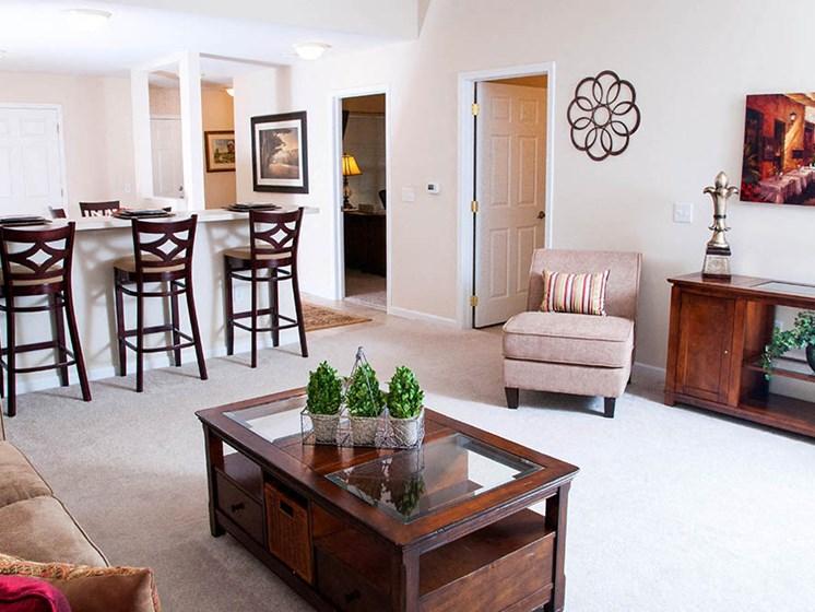 Elyria OH Apartment Rentals Redwood Hidden Acres One Car Living Room