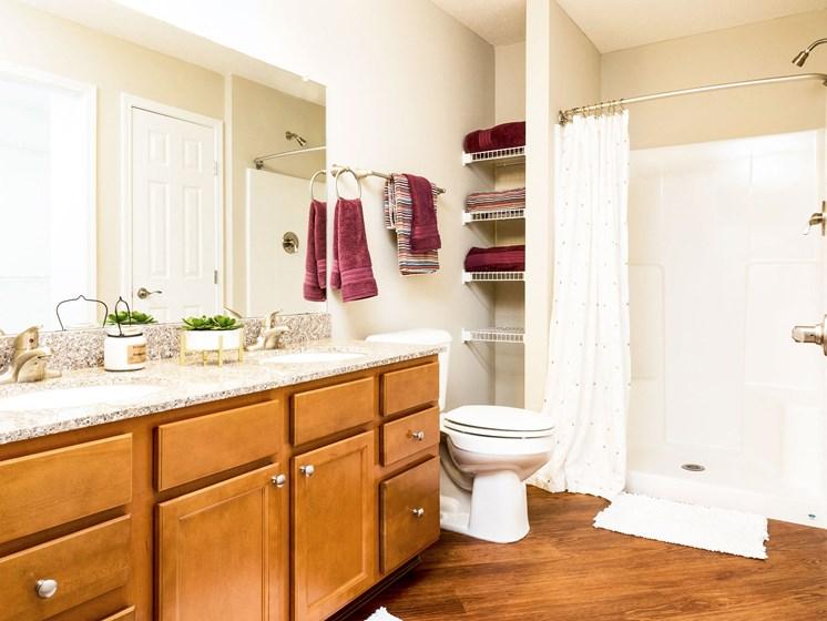 Medina OH Apartment Rentals Redwood Blackberry Trails Of Montville Wadsworth Rd Upgraded Bath