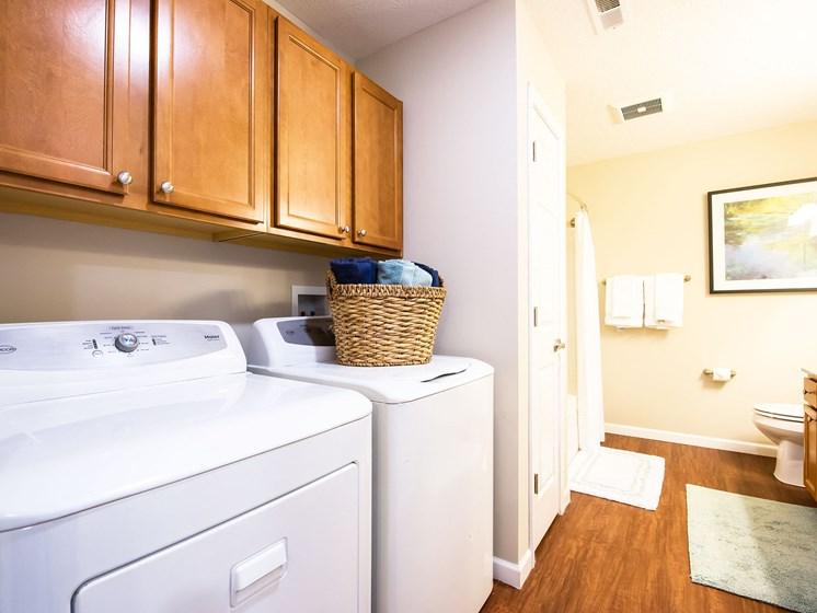 Medina OH Apartment Rentals Redwood Blackberry Trails Of Montville Wadsworth Rd Upgraded Bath 2