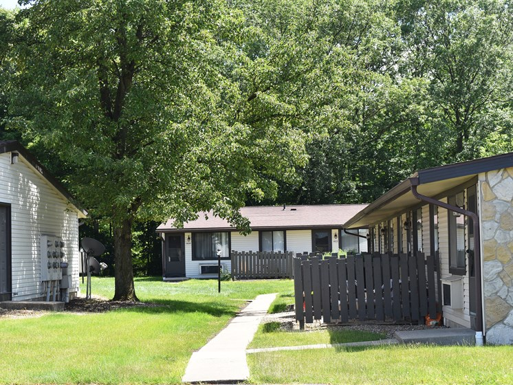 Akron Ohio Apartment Rentals Northampton by Redwood Exterior Green Spaces