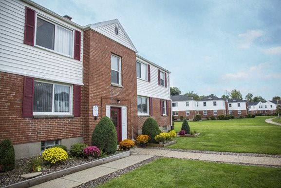Princeton Court Apartments - Amherst Apartments for Rent