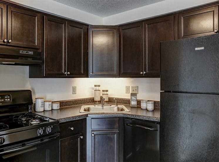 Updated, modern, Renovated Kitchen at Cambridge Square of Fort Wayne
