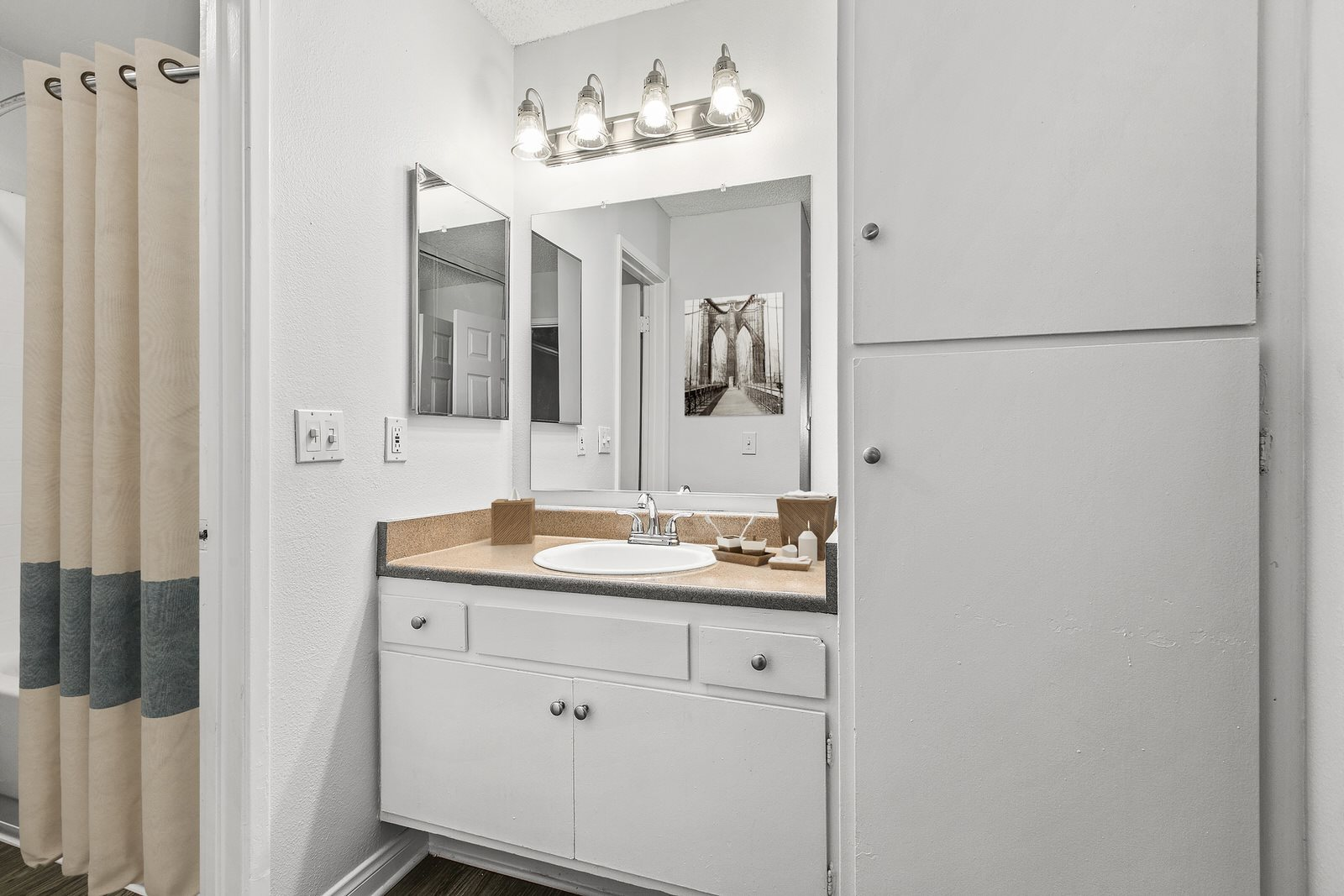 Bathroom Photo Studio For Rent at Milano Apartments 20900 Anza Ave Torrance, CA 90503