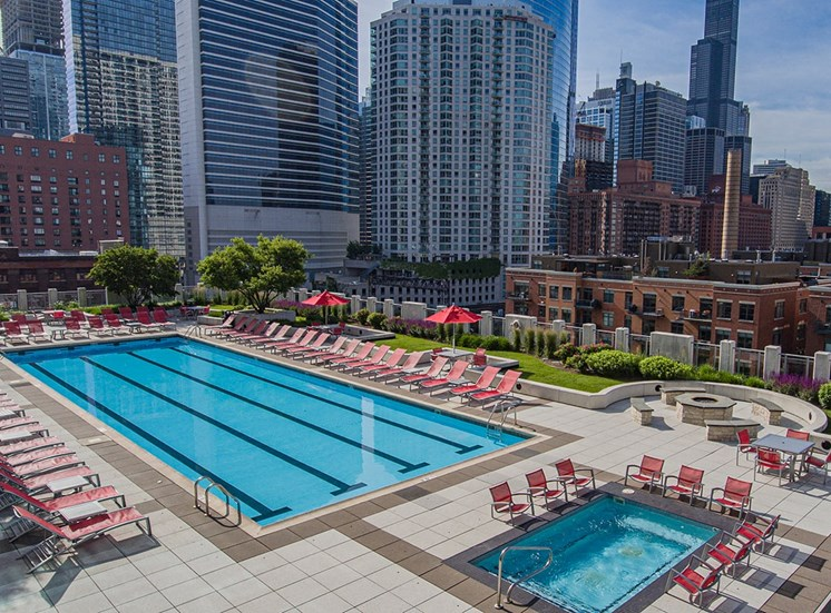 Alta's rooftop pool and Jacuzzi have a view of the Chicago skyline
