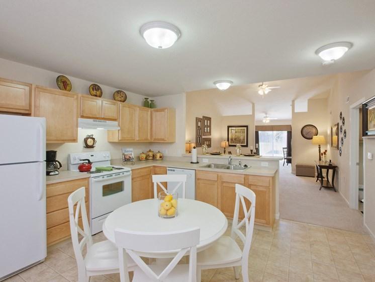 Perrysburg Ohio Apartment Rentals Redwood Living Redwood Perrysburg Woodmont Drive  Kitchen