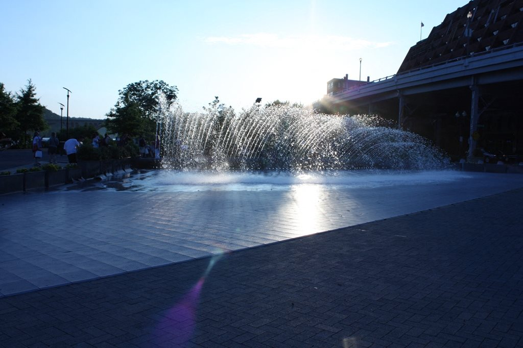Close to Georgetown Waterfront Fountain at The 925 Apartments, Washington, DC,20037