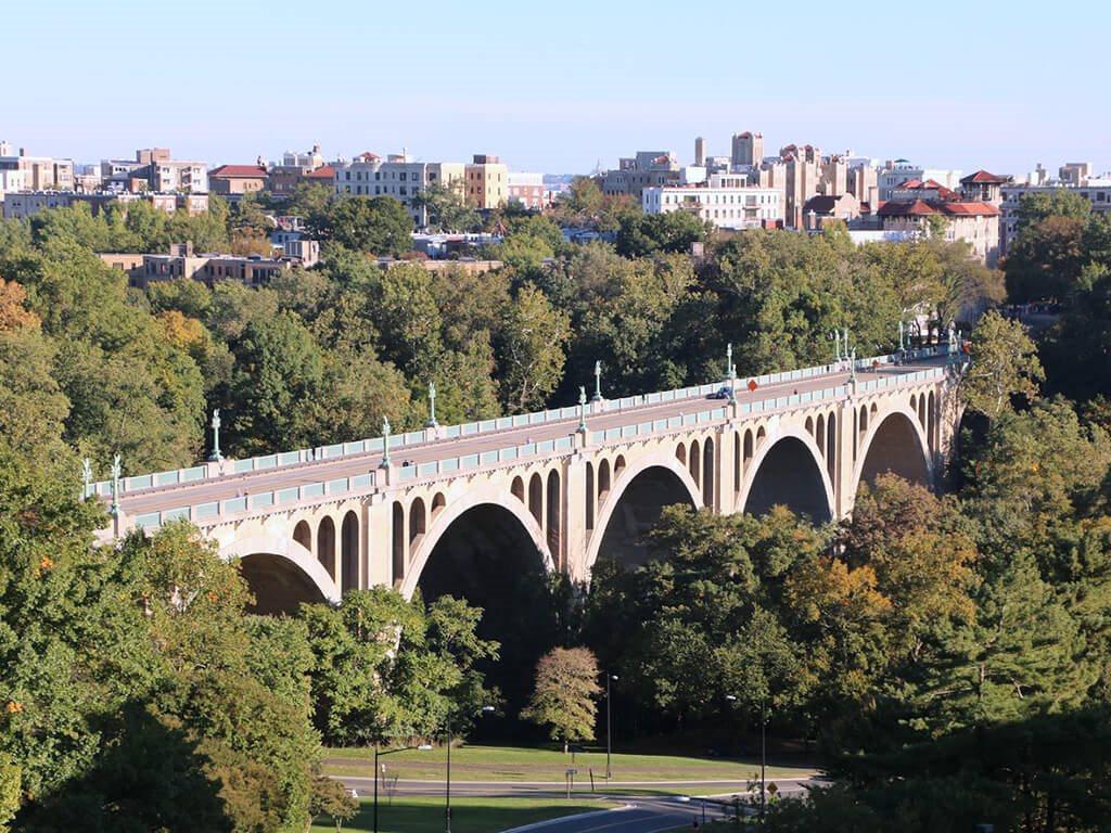 Taft Bridge from Calvert House Apartments