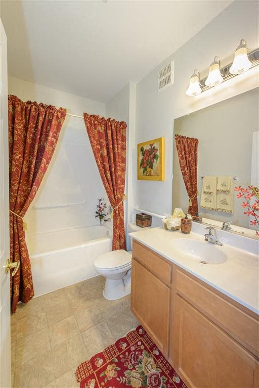 Master Suite Bathroom With Shower-Tub Combo