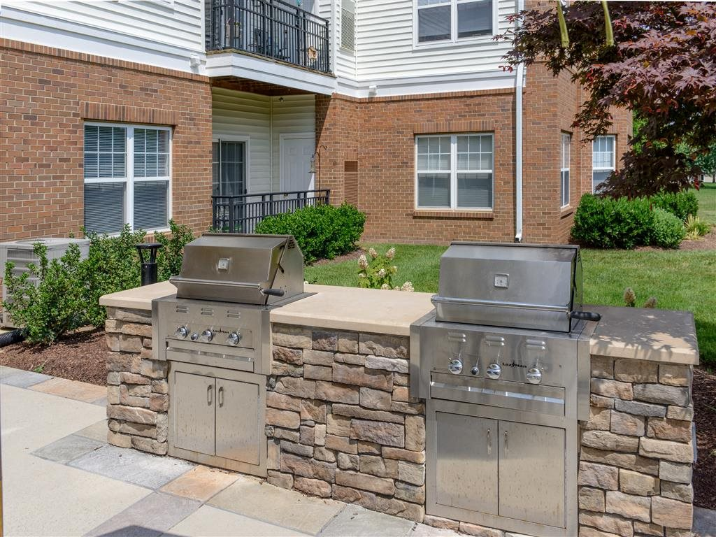 Commercial-Grade Stainless Steel Custom Grills For Your Outdoor Cooking With Family And Friends