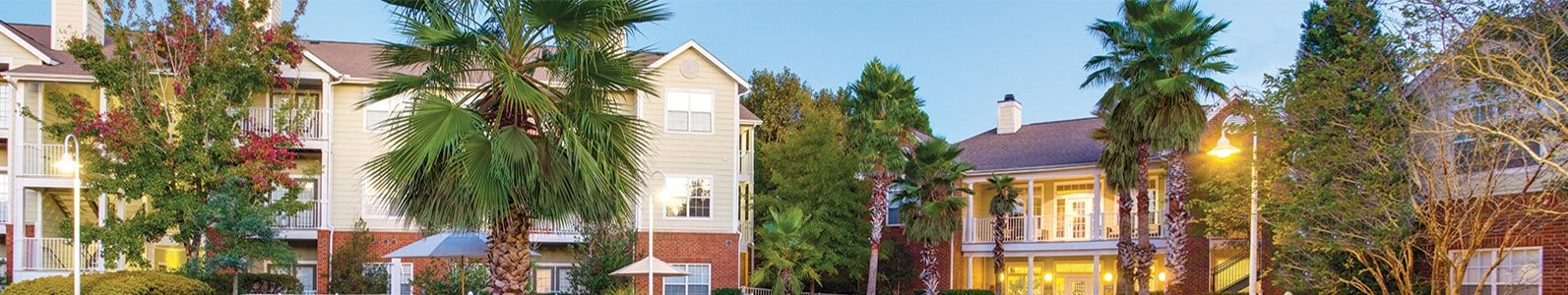 Governors Gate in Pensacola, FL features two pools, thoughtfully designed floor plans and manicured grounds