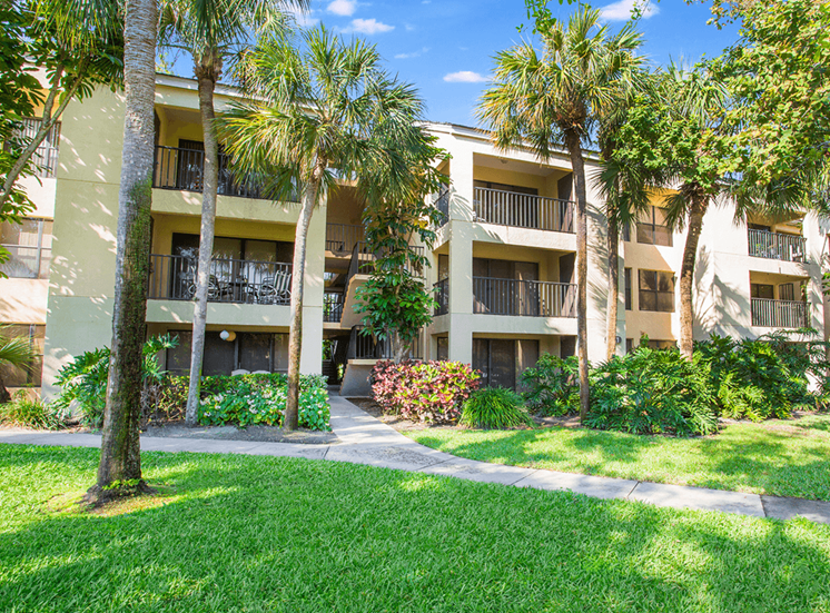 Village Crossing apartment residences in West Palm Beach, Florida