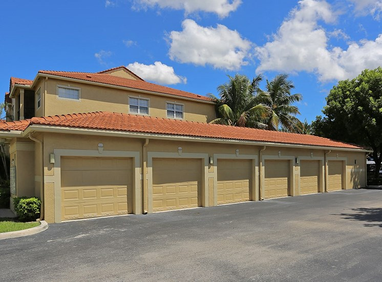 Woodbine apartment garages in Riviera Beach, Florida