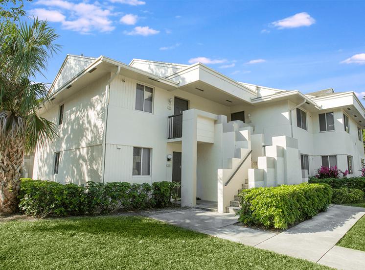 Blue Isle apartment residences in Coconut Creek, Florida