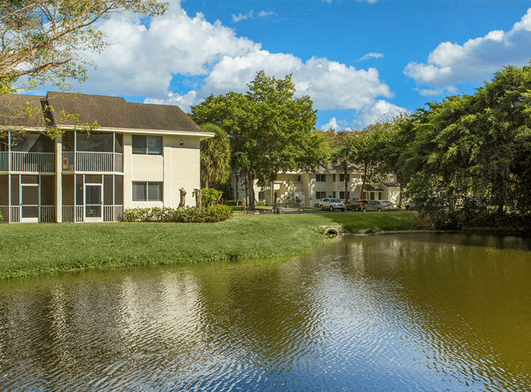 Blue Isle apartment homes with lake views in Coconut Creek, Florida