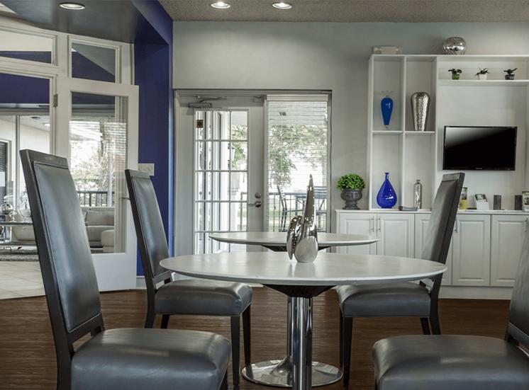 Blue Isle apartments cyber café in Coconut Creek, Florida