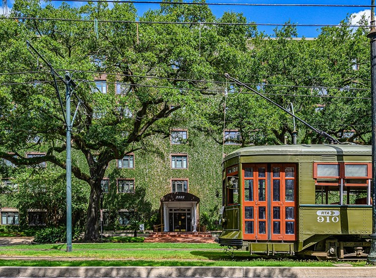 The Georgian's apartments in New Orleans sit right on the streetcar line