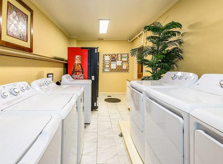 The Georgian's complimentary laundry room