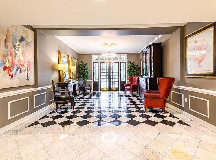 The Georgian's luxurious entryway