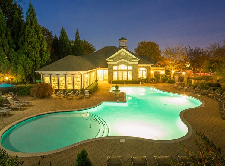 Barrett Walk Apartments swimming pool in Kennesaw, GA