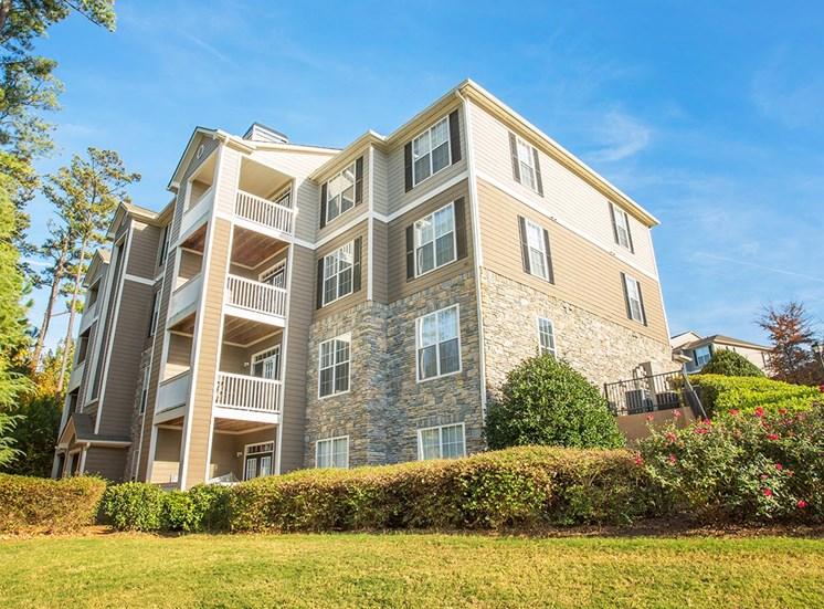 Barrett Walk apartment residence buildings in Kennesaw, GA