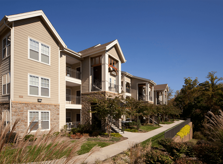 Perry Point apartment residences in Raleigh, North Carolina