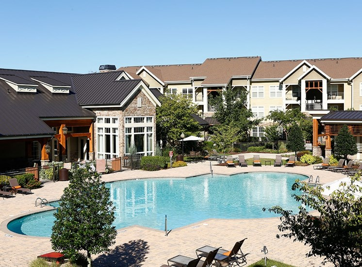 Perry Point apartments swimming pool in Raleigh, North Carolina