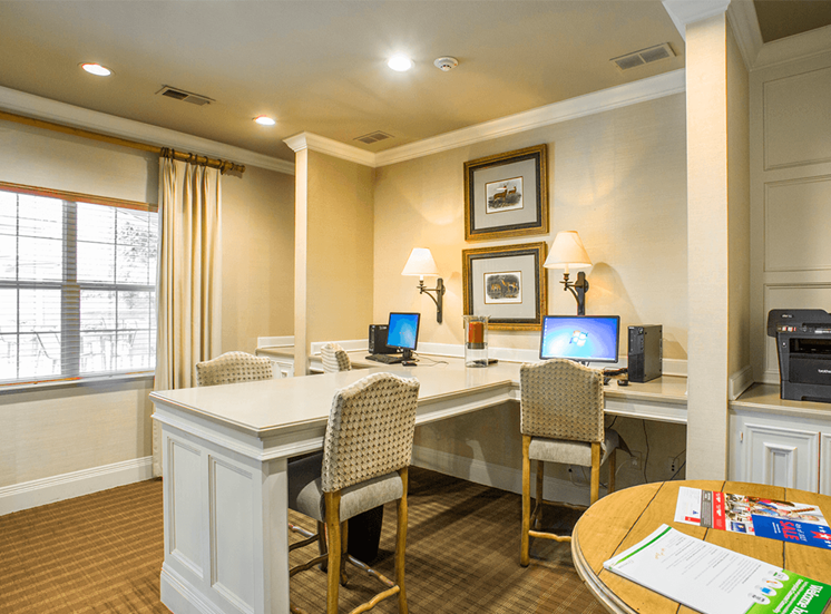 Retreat at City Center apartments clubhouse with business center in Aurora, Colorado