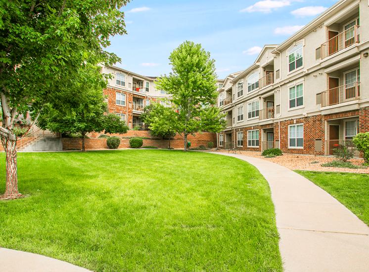 Retreat at City Center apartment residences in Aurora, Colorado