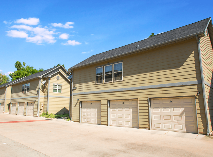 Settlers' Creek apartments garages in Fort Collins, Colorado