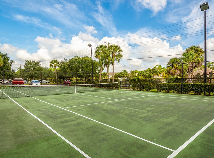 Mallory Square apartments tennis court in Tampa, Florida
