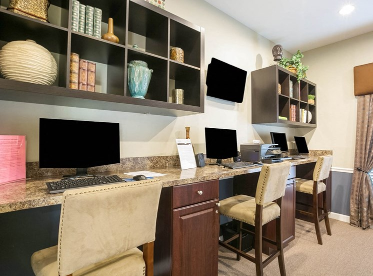210 Watermark apartments business center in Bradenton, Florida