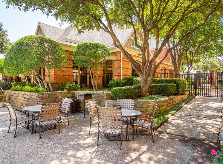 Verandah at Valley Ranch apartments poolside BBQ picnic area in Irving, Texas