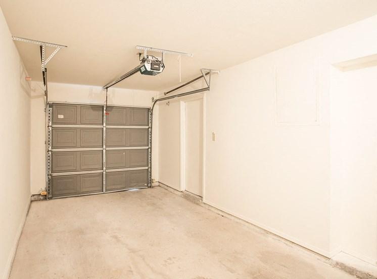 Retreat at Spring Park apartment garage in Garland, TX